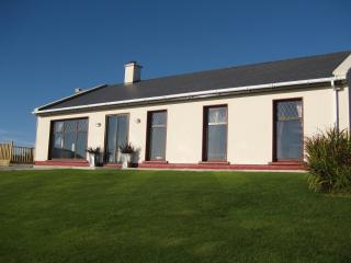 Lovely 4 bedroom Ventry House with Internet Access - Ventry vacation rentals