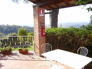 Charming 1 bedroom Lamporecchio House with Deck - Lamporecchio vacation rentals