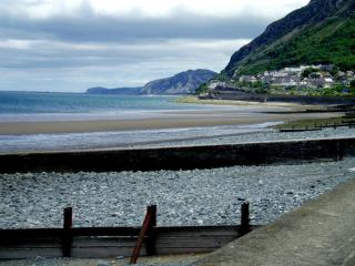 Lovely Cottage with Internet Access and Long Term Rentals Allowed - Llanfairfechan vacation rentals