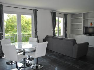 2 bedroom house in Montry 10 mins from Disneyland - Magny-le-Hongre vacation rentals