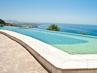 Spacious Villa in Salobrena with Internet Access, sleeps 15 - Salobrena vacation rentals
