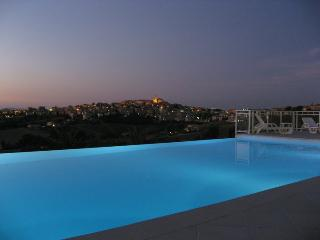 Spacious Villa with Internet Access and A/C - Monte San Giusto vacation rentals