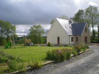 Spacious 4 bedroom House in Gartbrattan with Internet Access - Gartbrattan vacation rentals