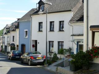 Lovely Townhouse with Satellite Or Cable TV and Television - Klotten vacation rentals