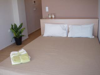 Beautiful 1 bedroom Nea Peramos Bed and Breakfast with Internet Access - Nea Peramos vacation rentals