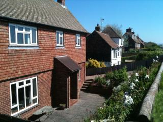 Nice 4 bedroom Cottage in Dymchurch - Dymchurch vacation rentals