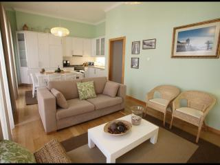 Nazare, lovely 2-bedroom apartment Casa da Irene - Nazare vacation rentals