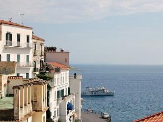 Bright 2 bedroom House in Amalfi - Amalfi vacation rentals