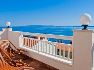 Apartmani Cukor 3 - Okrug Gornji vacation rentals
