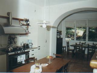 Spacious 5 bedroom Villa in Lenno with Internet Access - Lenno vacation rentals