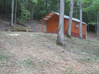 H & P Cabins,Mountainside Bunkhouse Cabi - Beattyville vacation rentals