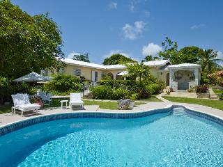 BANK HOLDAY BLITZ!*20%OFF! 4Bed+Pool+cook+jacuzzi - Holetown vacation rentals