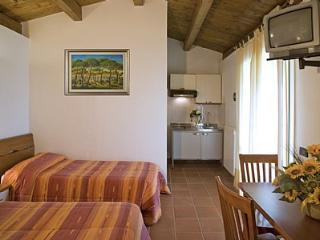 Cozy House with Deck and A/C - Marina Di Grosseto vacation rentals