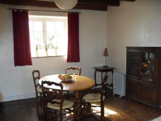 Perfect House in Bourganeuf with Dishwasher, sleeps 8 - Bourganeuf vacation rentals