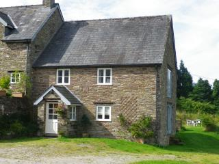 Bright Cottage with Dishwasher and Linens Provided in Hay-on-Wye - Hay-on-Wye vacation rentals