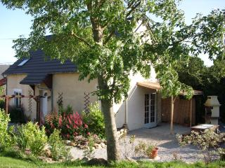 Beautiful 3 bedroom Manche Gite with Internet Access - Manche vacation rentals