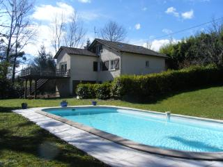 Le Ruisseau -large private pool - free WIFI onsite - Salies-de-Béarn vacation rentals