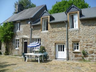 Beautiful Villedieu-les-Poeles vacation Farmhouse Barn with Dishwasher - Villedieu-les-Poeles vacation rentals