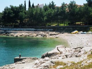Comfortable Villa with Dishwasher and Iron - Okrug Gornji vacation rentals