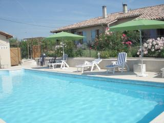 Volets Bleus - Monflanquin vacation rentals
