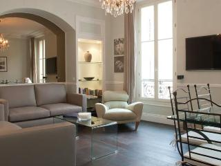 America- Vacation Rental with a Balcony and AC, in Cannes France - Cannes vacation rentals