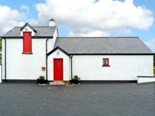Nice Cottage with Parking Space and Television - Mayobridge vacation rentals