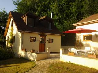 Perfect 2 bedroom Lanouaille Cottage with Internet Access - Lanouaille vacation rentals