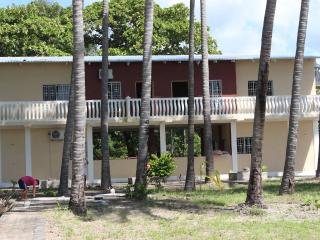 Nice House with A/C and Satellite Or Cable TV - Jucuaran vacation rentals