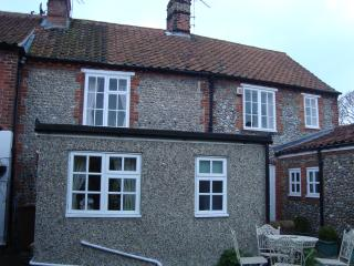 Lovely Cottage with Television and Microwave - Blakeney vacation rentals
