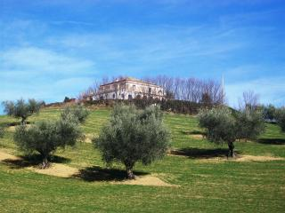 3 bedroom House with Internet Access in Atri - Atri vacation rentals