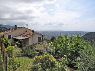 Tuscany, holiday apartment with panoramic view - Pietrasanta vacation rentals