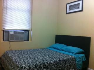 Stylish New 1 Bedroom - 10 Min. from Manhattan! - Astoria vacation rentals