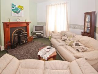 3 bedroom House with Internet Access in Stoke-on-Trent - Stoke-on-Trent vacation rentals