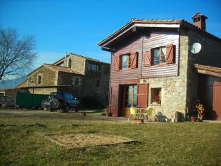 2 bedroom Gite with Internet Access in Girona - Girona vacation rentals
