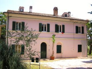 La Celeste 7 , bed and breakfast - Civitanova Marche vacation rentals