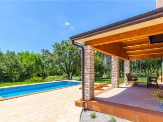4 bedroom Villa in Sumber, Istria, Croatia : ref 2235013 - Sumber vacation rentals