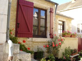 Nice 1 bedroom Cottage in La Charite-sur-Loire - La Charite-sur-Loire vacation rentals