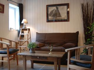 Nice 1 bedroom Honfleur Gite with Dishwasher - Honfleur vacation rentals
