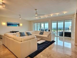 Conspicuous bliss...136 Mariners Club - Key Largo vacation rentals