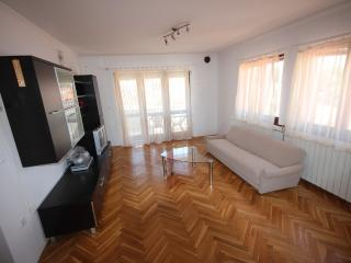 Beautiful 2 bedroom Zadar Villa with Internet Access - Zadar vacation rentals