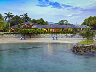 Four Winds - Ocho Rios 5 Bedrooms beachfront - Ocho Rios vacation rentals