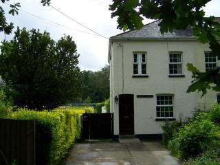 3 bedroom Cottage with Outdoor Dining Area in Newton Abbot - Newton Abbot vacation rentals