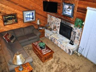 2 Bed + Loft/3 Bath Townhome, Walk to Restaurants, On Shuttle Route - Mammoth Lakes vacation rentals