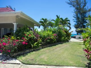Perfect House with Deck and Internet Access - Ocho Rios vacation rentals