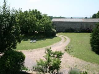 2 bedroom Guest house with Satellite Or Cable TV in Thouars - Thouars vacation rentals
