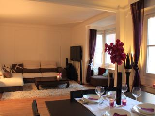 Cosy 73m2 appt 4/5persons- 10min Champs Elysées - Paris vacation rentals