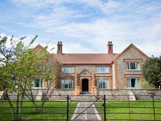 Perfect 9 bedroom House in Morston - Morston vacation rentals