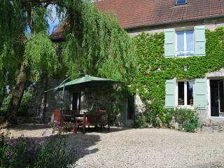 18th Century Cottage 1 hour from Paris - Baulne-en-Brie vacation rentals