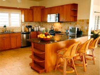 3 bedroom House with Internet Access in West End - West End vacation rentals