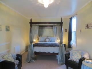 Cotswold Cottage Bed and Breakfast - Thames vacation rentals